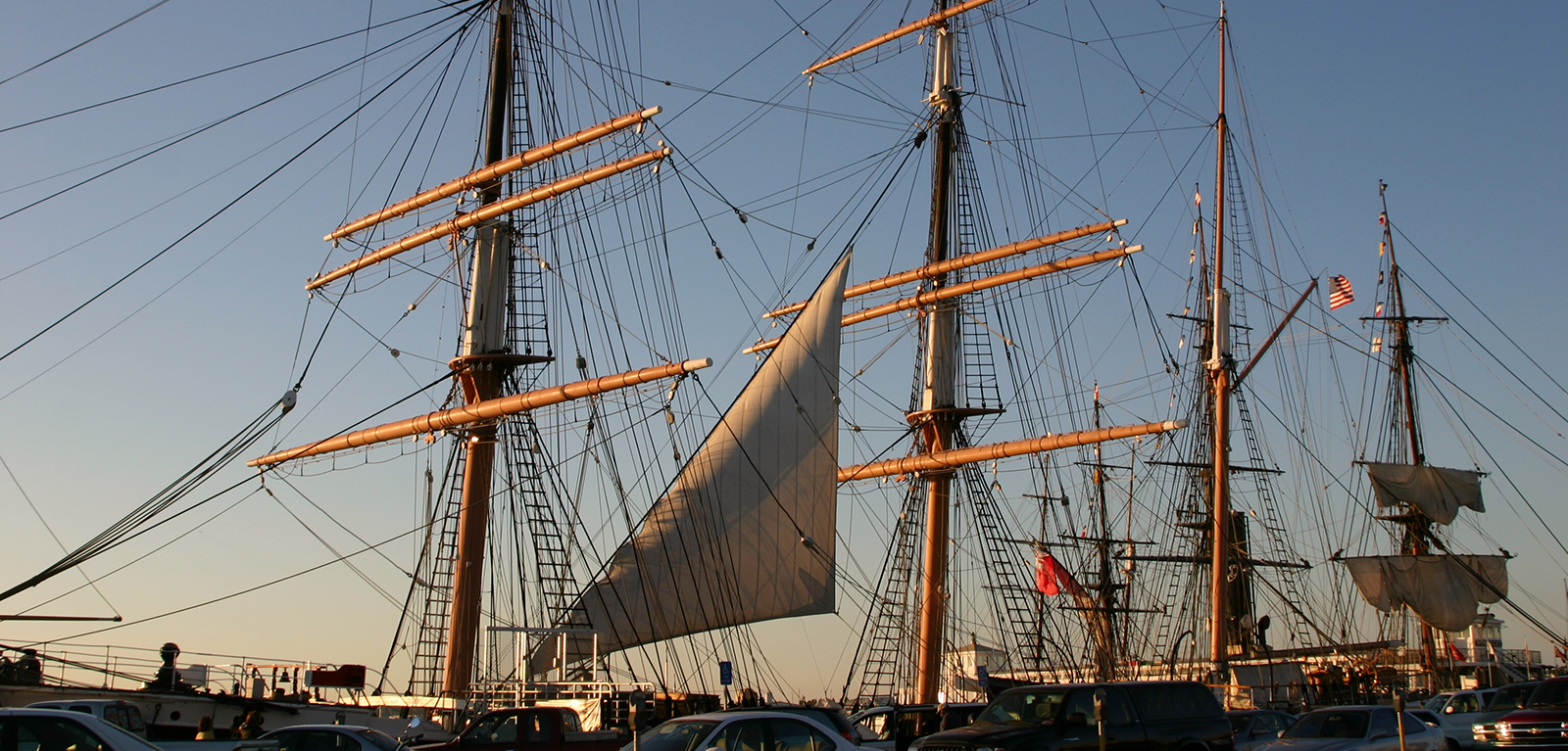 https://www.dutchpoint.org/images/default-source/Homepage-Banners/columbus-day-sail-boat.png?sfvrsn=2